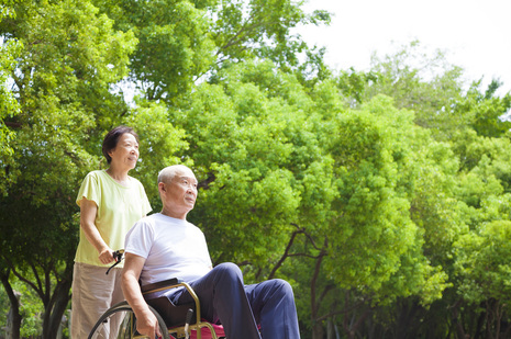 Benefits of Live-In Caregiver - Age in the Comfort of Home